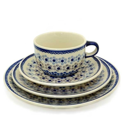 Polish Pottery set of breakfast plate 1, plate 2, cup and saucer pattern Leonie