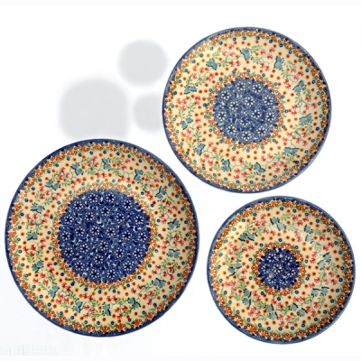 Polish Pottery set of 3 different sized plates, Florac pattern