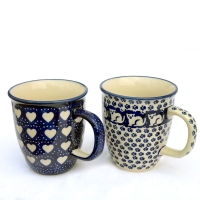 Polish-Pottery-set-of-two-mugs-Mars-Garfield-and-Love-Hearts